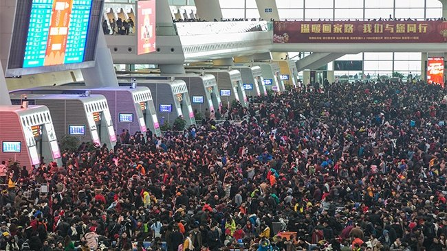 hong-kong-airport-during-asian-holidays.jpg